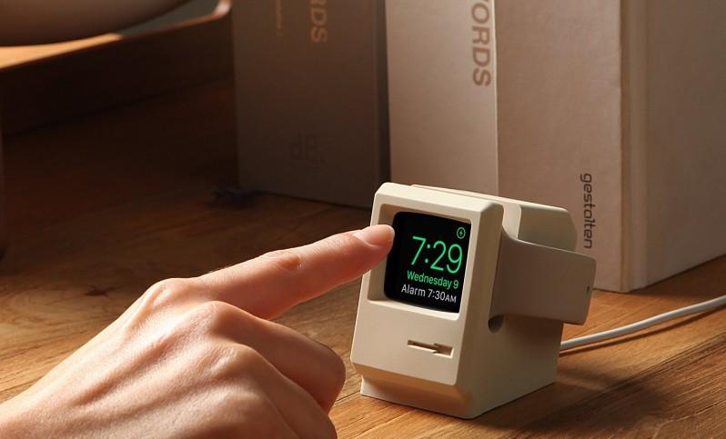 初代マッキントッシュが返ってきた!Apple Watchの初代マッキントッシュ風充電器が登場
