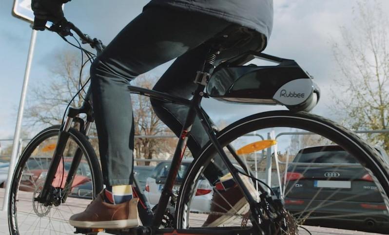 この発想はなかった!どんな自転車も電動自転車に早変わりするガジェットがすごい!